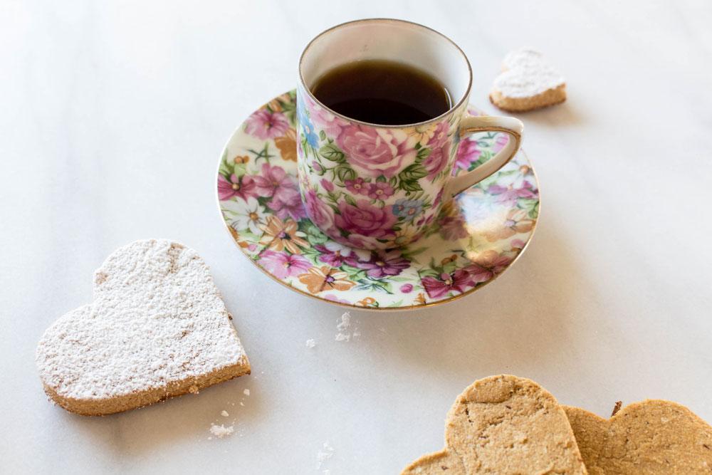 Espresso and cookies photo