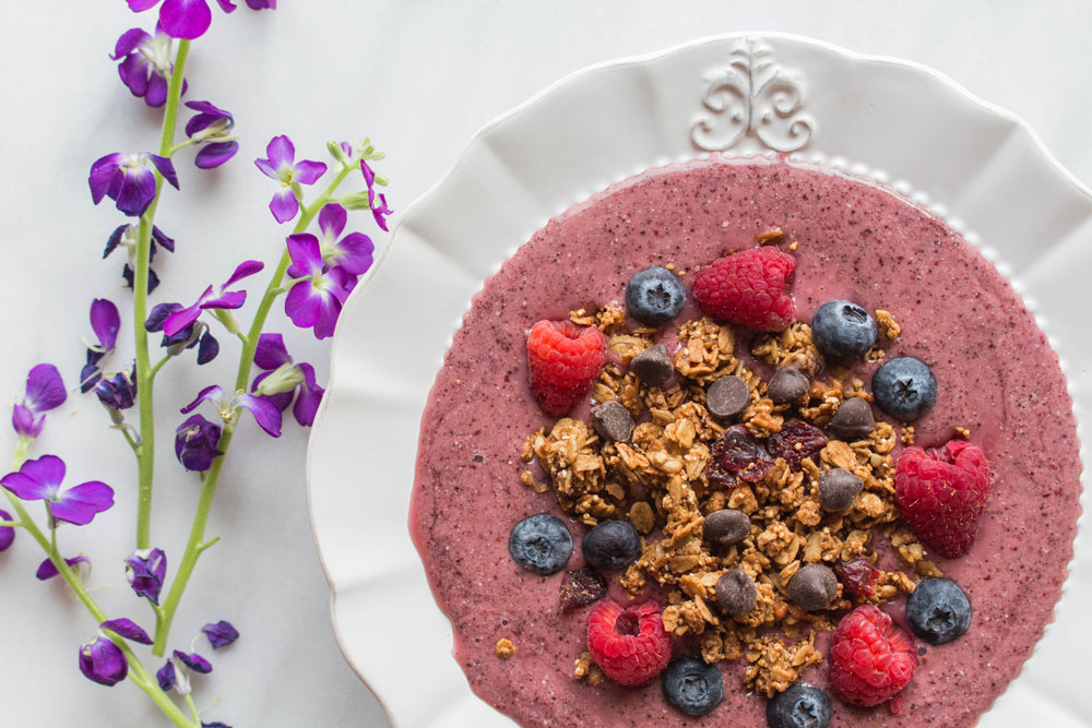 Cherry and Lemon Acai Smoothie Bowl Photo