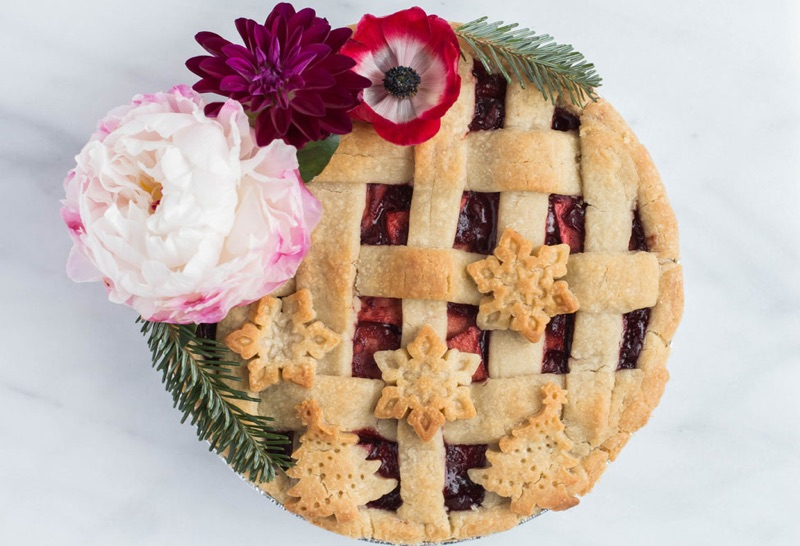 Cranberry Apple Christmas Pie