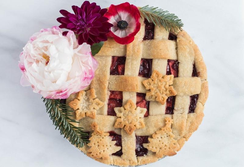 Cranberry Apple Christmas Pie